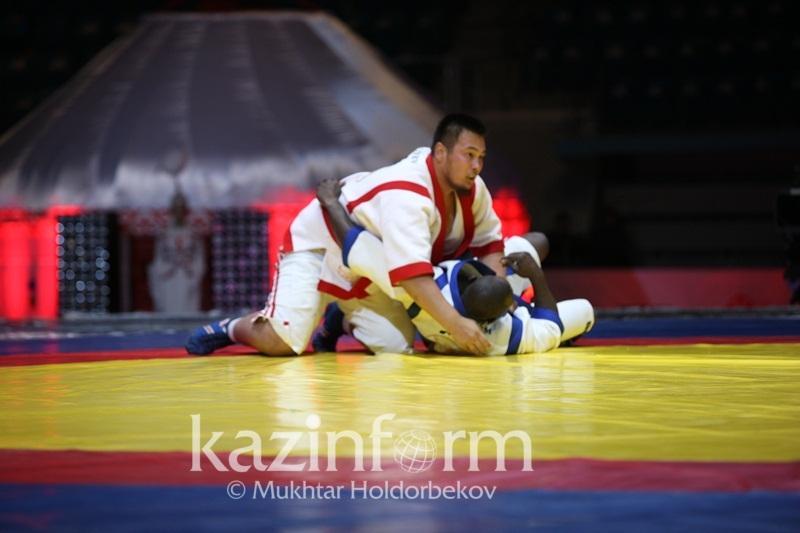 Два казахстанца встретятся в ¼ финала чемпионата мира по казакша курес