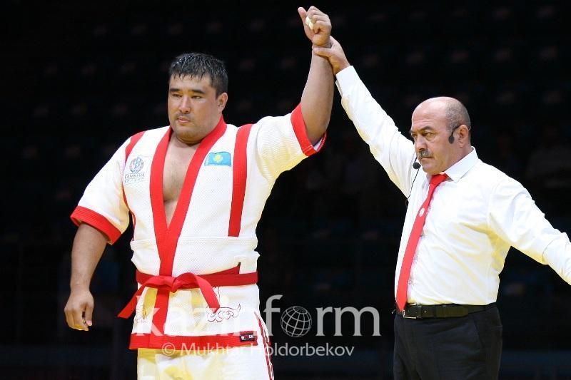 Ержан Шынкеев «Әлем барысының» қола жүлдегері атанды