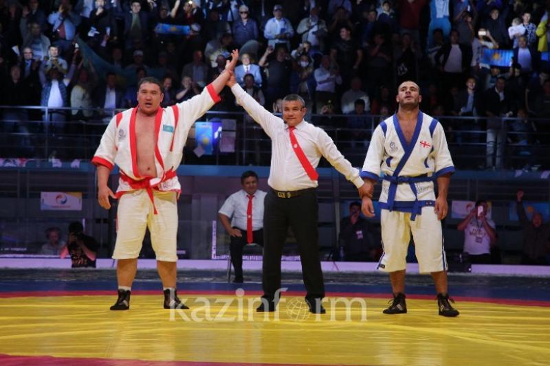Айбек Нугымаров стал чемпионом мира по казакша курес