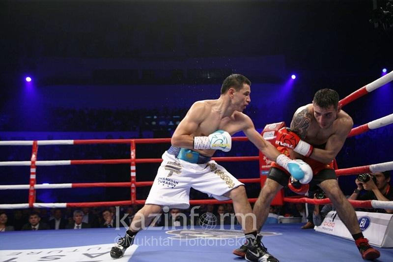 Аргентинскому боксеру не помог чапан: Жанкош Тураров одержал победу