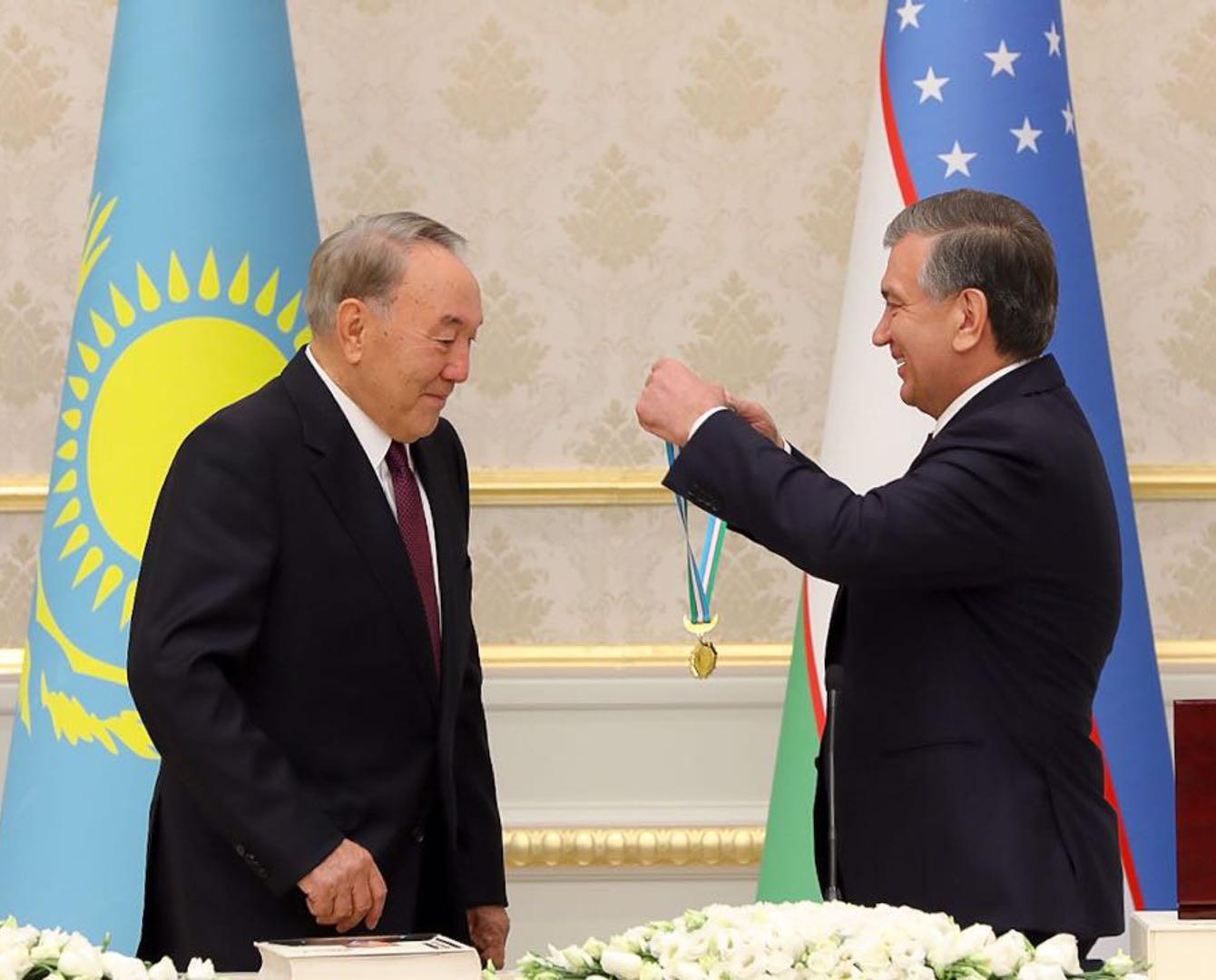 Нурсултана Назарбаева наградили узбекским орденом «Эл-юрт Хурмати»
