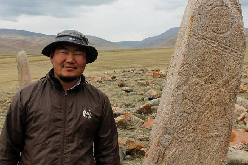Моңғолия мен Қазақстан жеріндегі «бұғы тастардың» тарихы тереңде жатыр - профессор Баярсайхан Жамсранжав