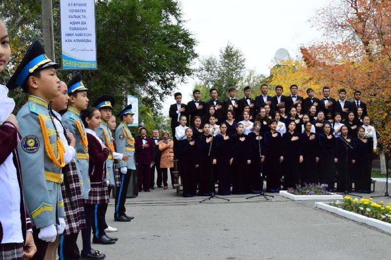 К 100-летию движения «Алаш» в Семее открыли памятник Алихану Букейханову
