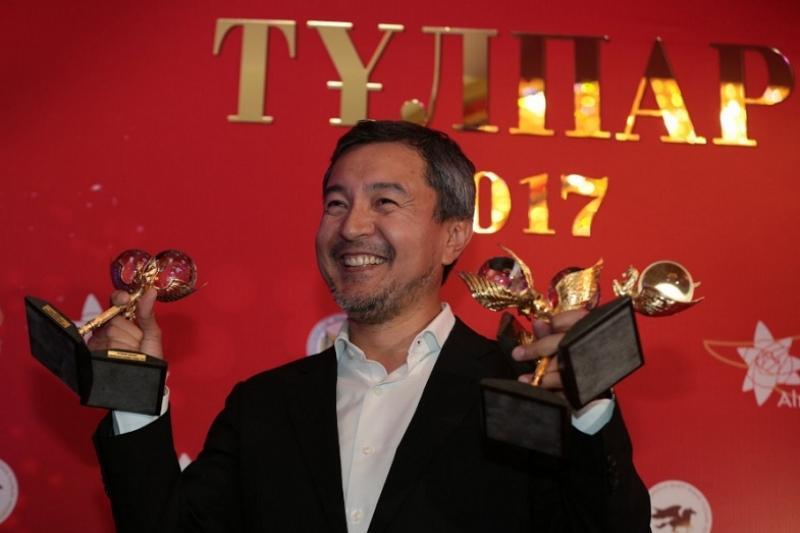 Фильм Акана Сатаева «Районы» победил в 5 номинациях на кинопремии «Тұлпар»