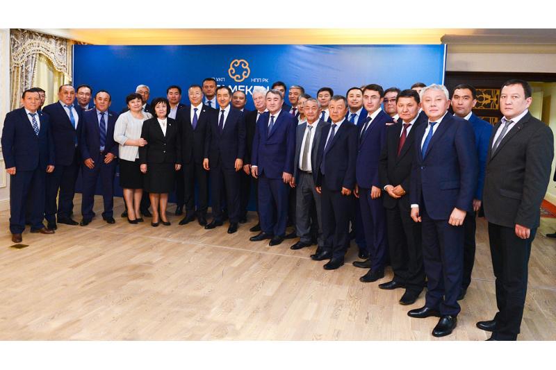 Премьер РК обсудил с предпринимателями Южного Казахстана вопросы развития МСБ