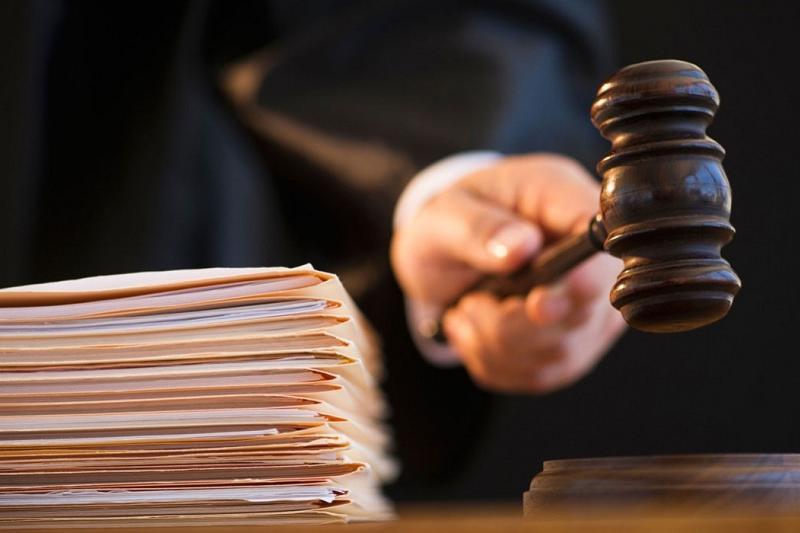 За посредничество между сводницей и клиентами осуждены экс-полицейские в Костанае