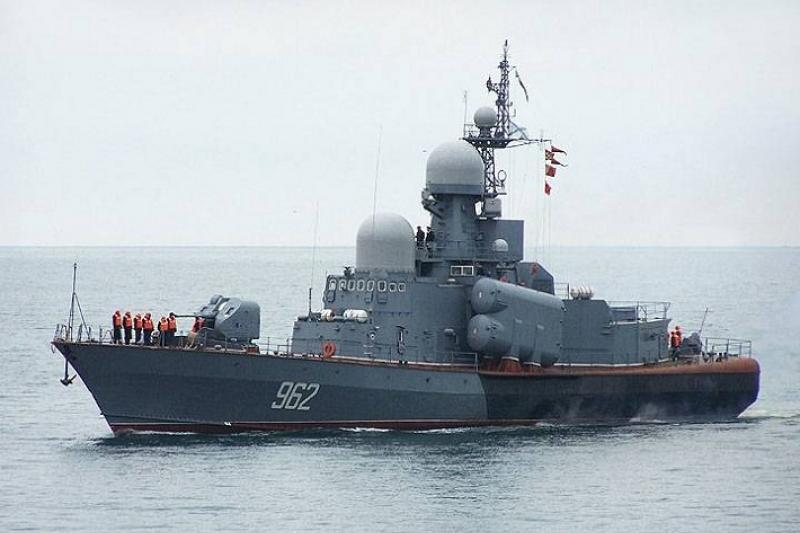 俄两艘退役导弹艇在港内被盗