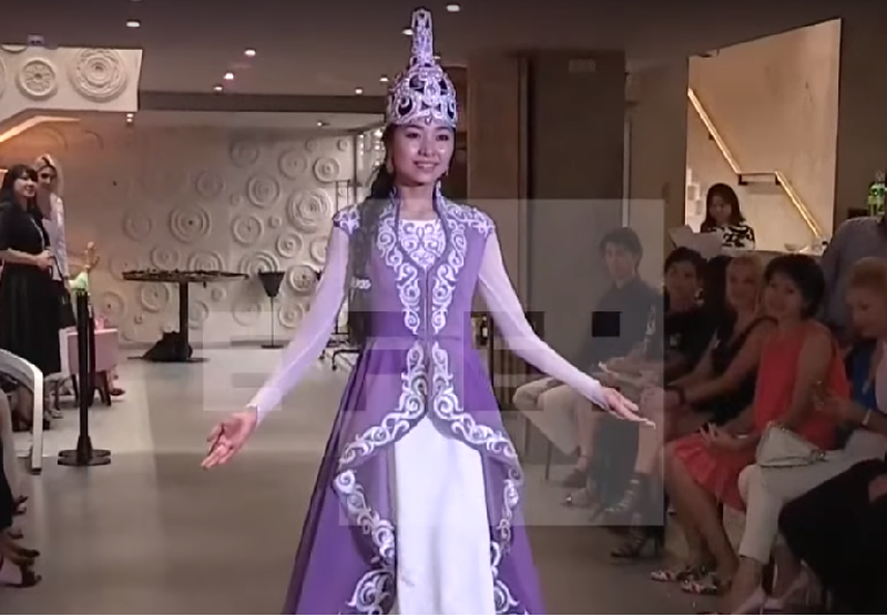 Kazakh fashion makes a splash in Madrid