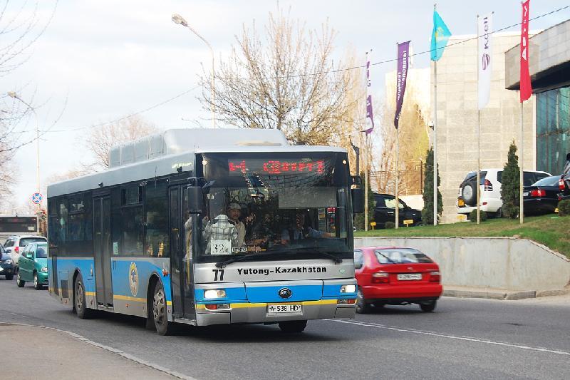 Алматыда ауаға зиянды түтін шығаратын автобустарды қадағалау күшейді