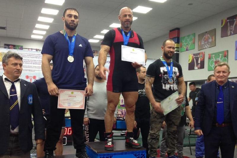 Четыре медали завоевали актауские пауэрлифтеры на чемпионате РК