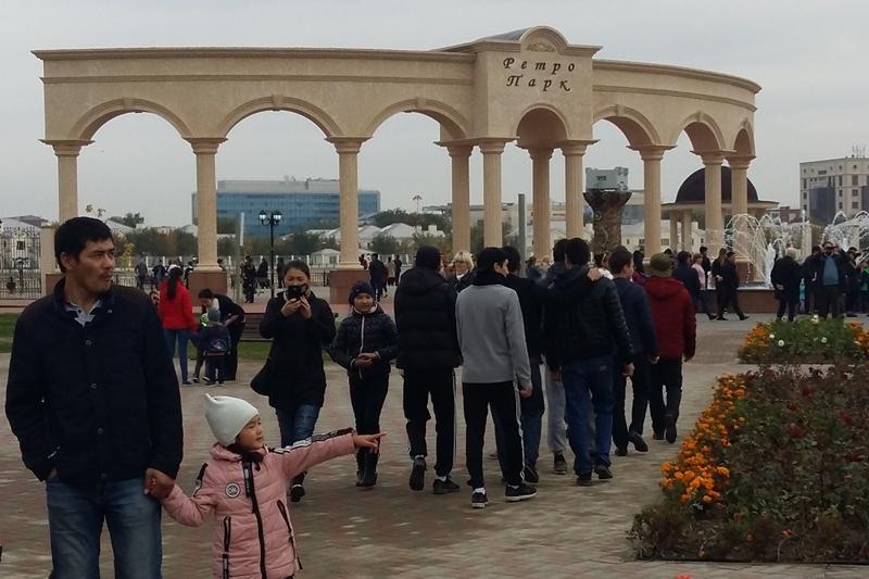 Ко Дню города в Атырау открыли ретро-парк