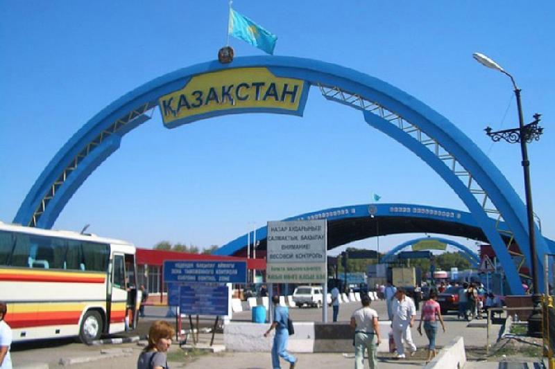 Бишкеку выгодно политизировать вопрос по усилению Казахстаном контроля на границе - политолог