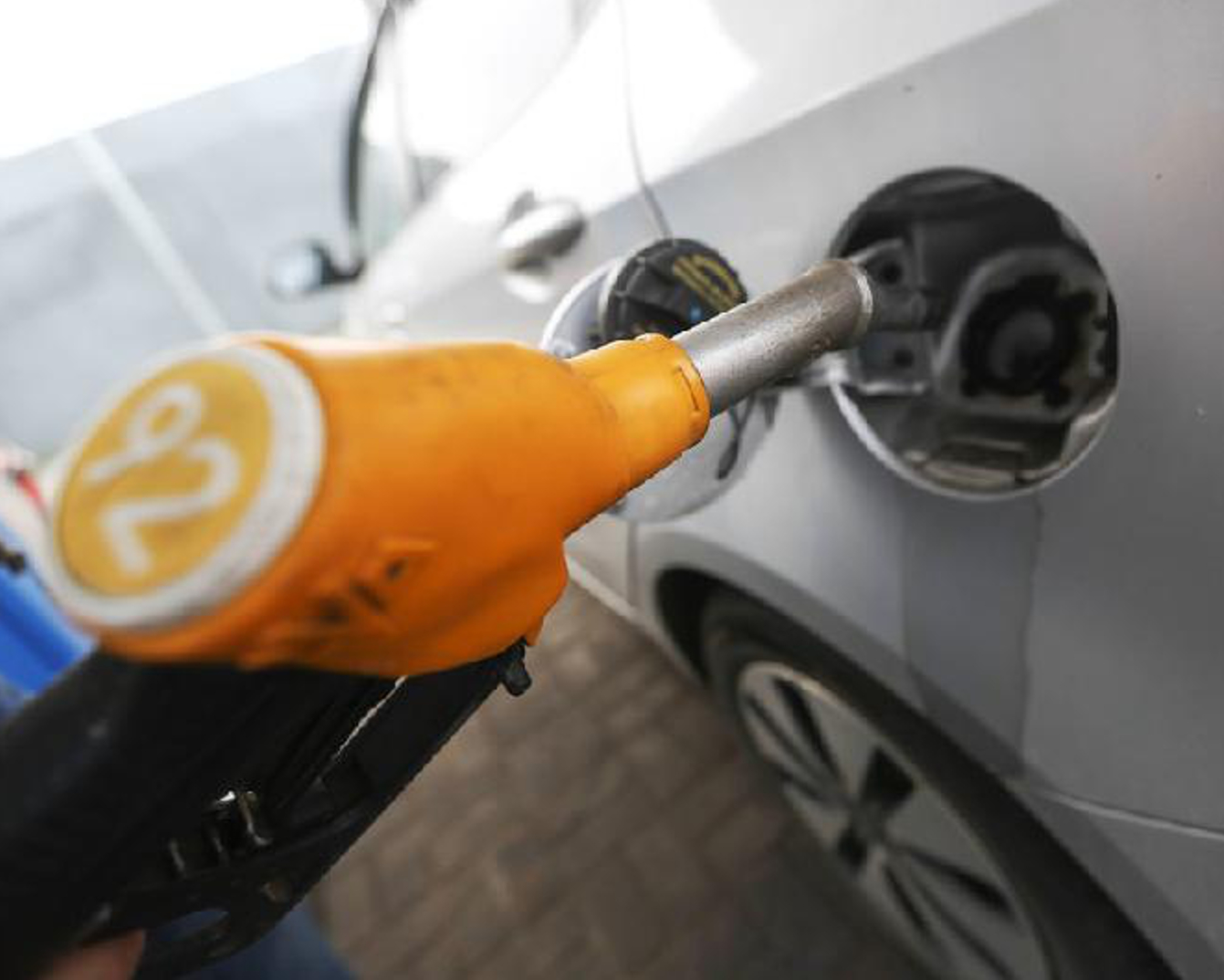 KMG filling station chain selling AI-92 gasoline without restraint