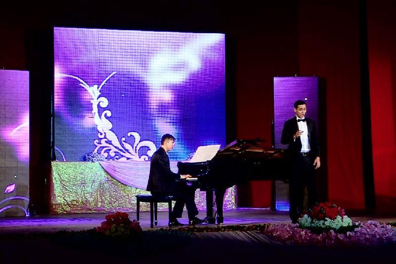 Юбилейная «Казахская романсиада» проходит в Шымкенте