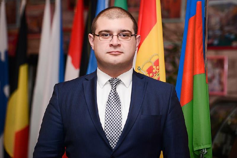 Эксперт: мир должен узнать - у Казахстана есть своя программа модернизации общественного сознания