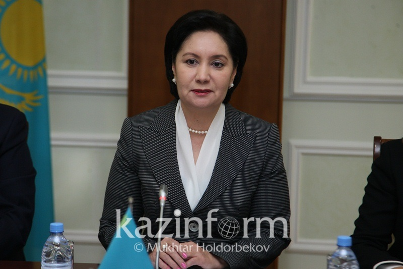 国务秘书阿布德哈勒科娃会见经合组织秘书长古里亚