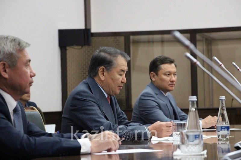 Kazakh Supreme Court Chairman meets Uzbek colleague