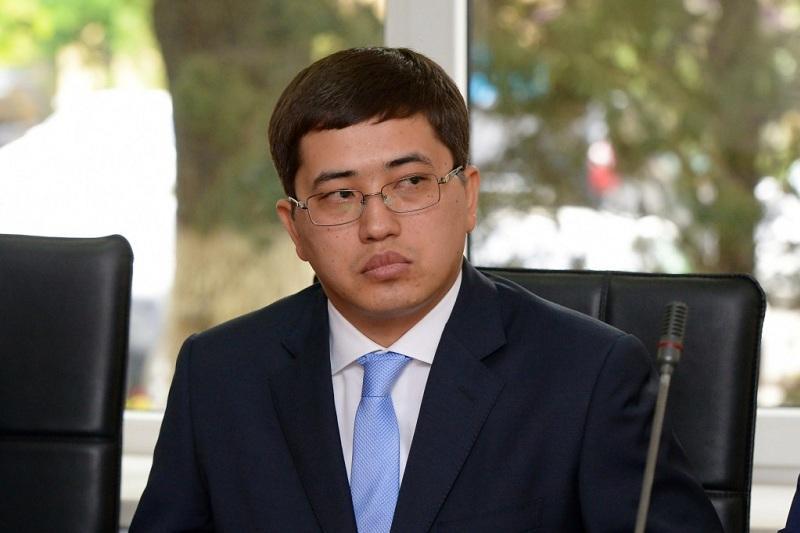 Районный аким Алматы призвал своих подчиненных не сидеть в кабинетах