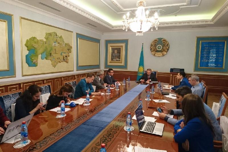 Казахстан и Азербайджан становятся мостом для грузоперевозок между Европой и Азией