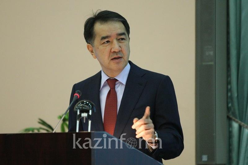 Решение о строительстве ж/д маршрута Баку-Тбилиси-Карс принято в Астане - Сагинтаев