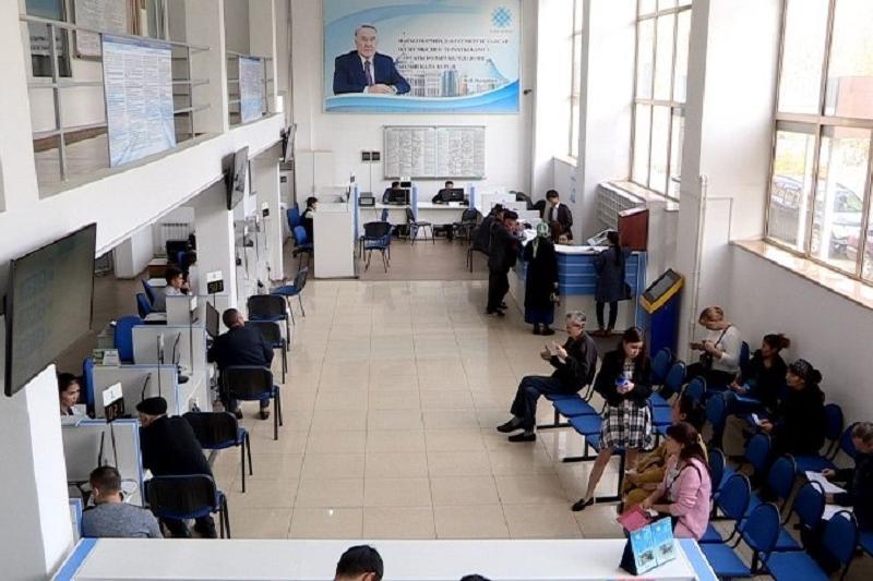 Более 16 тысяч человек трудоустроились через центр занятости Шымкента