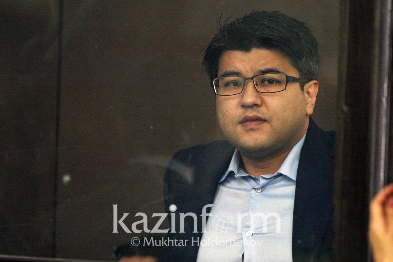 Пакет с деньгами не влезал в ячейку: свидетель по делу Бишимбаева дал показания в суде