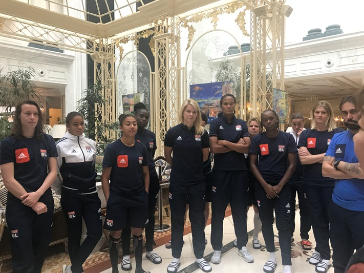 Футболистки из Лиона встретились со студентами французского альянса в Шымкенте