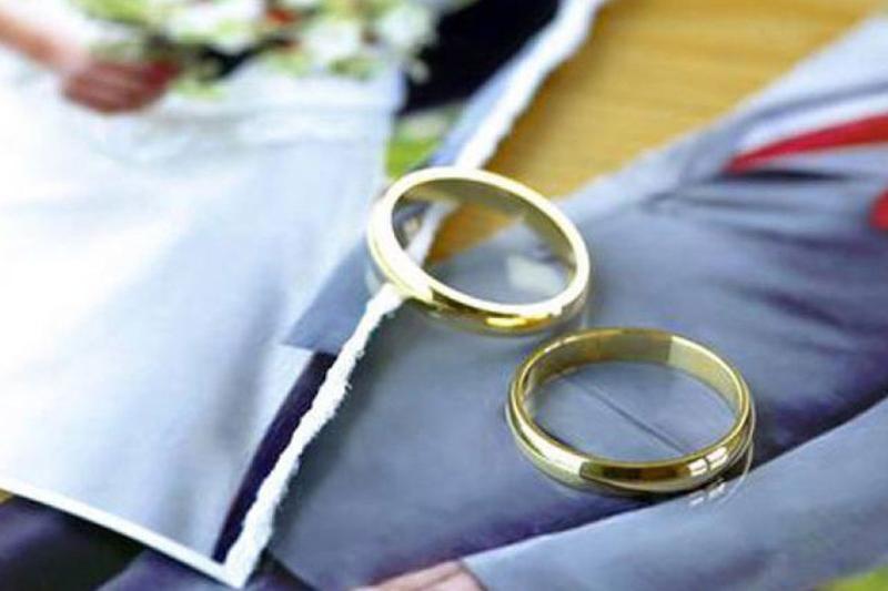 Увеличить пошлину за разводы в РК предложил сенатор