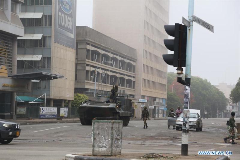 Военные Зимбабве захватили правительственные учреждения