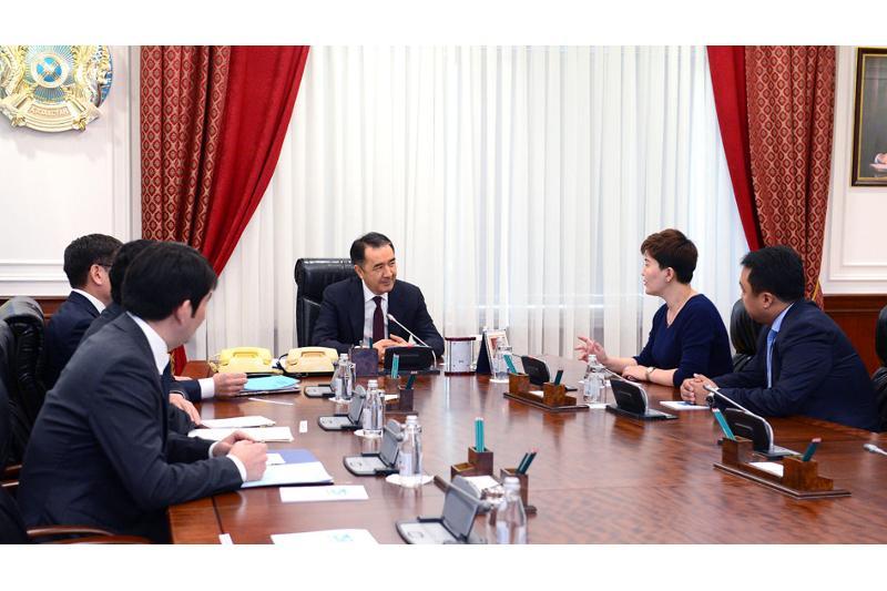 政府总理萨金塔耶夫接见华为公司代表
