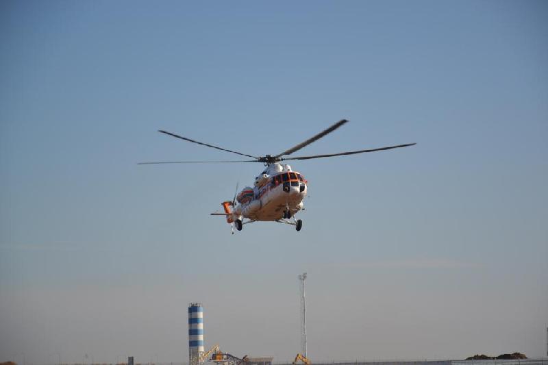 Вертолет эвакуировал в больницу рыбака на Каспийском море