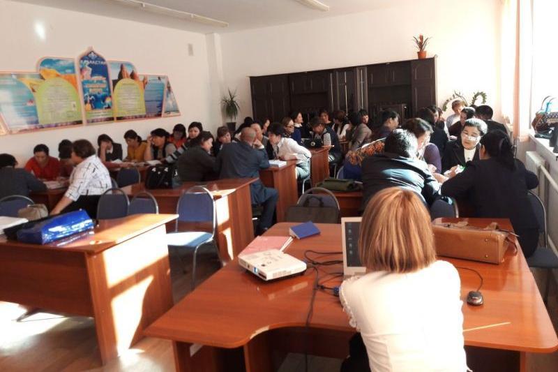 Семинарда жаңартылған білім беру мазмұнындағы оқулықтар талқыланды - Қызылорда