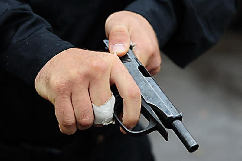 Подросток стрелял из оружия на улице в Актау
