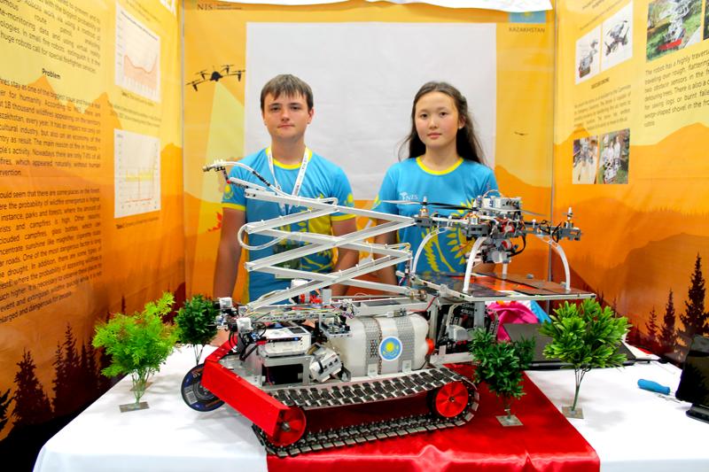 Робот-пожарный казахстанских школьников признан лучшим проектом в Коста-Рике