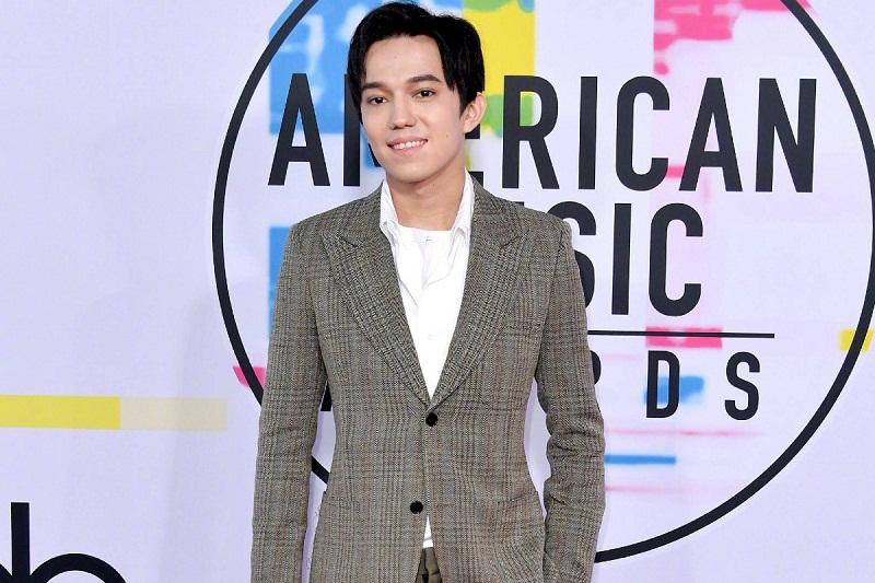 Dimash Kudaibergen hits American Music Awards red carpet