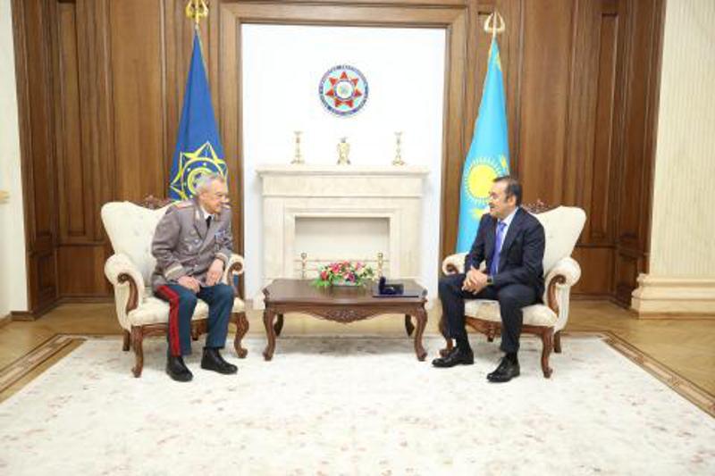 Karim Massimov congratulates his predecessor on his milestone birthday