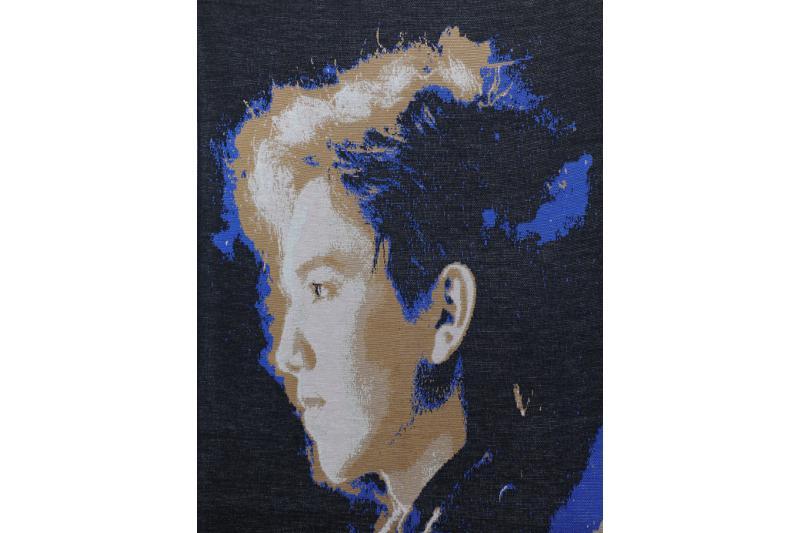 Эксклюзивный портрет Димаша Кудайбергенова изготовили на фабрике в Астане