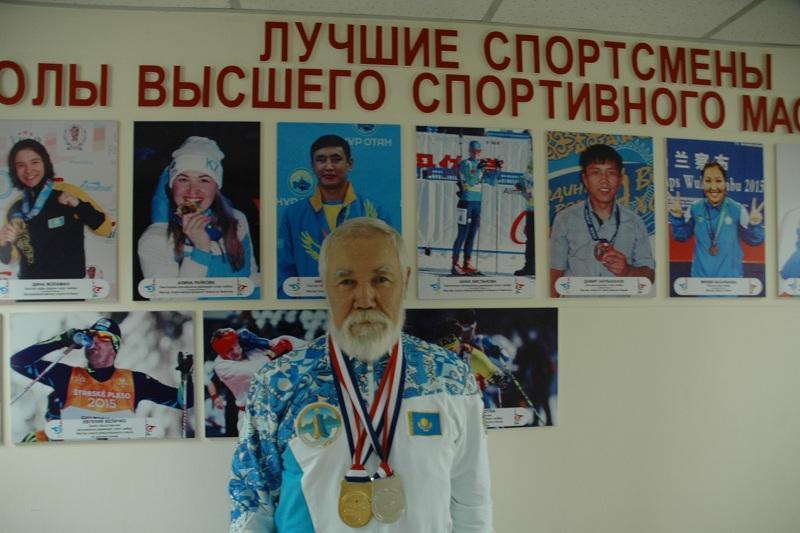 74-летний гиревик из Казахстана стал чемпионом мира