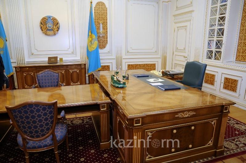 Как выглядел рабочий кабинет Нурсултана Назарбаева