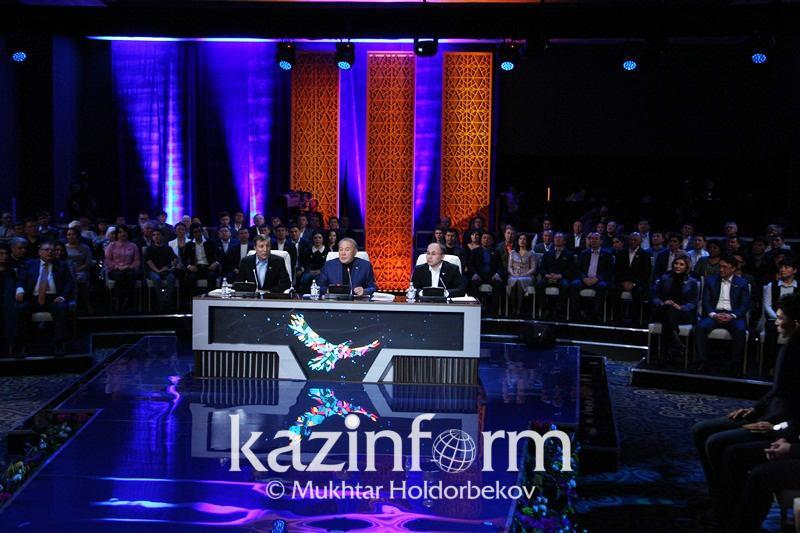 Нурсултан Назарбаев объяснил выбор латиницы