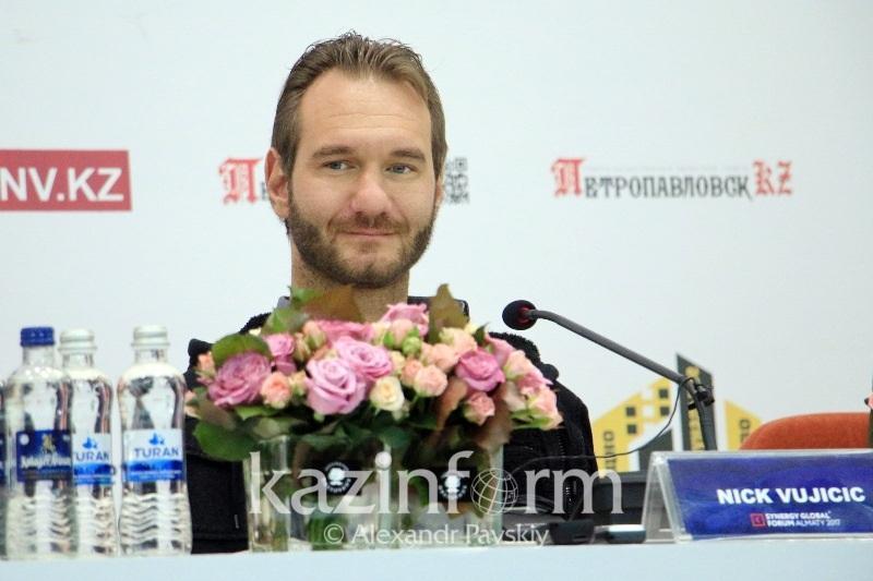 Ник Вуйчич: Я готов провести лекции для школьников Казахстана