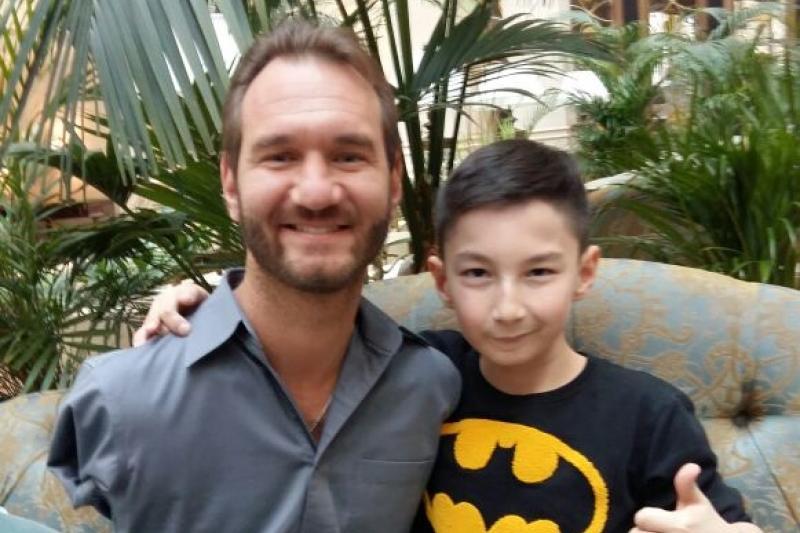 Казахстанский «Ник Вуйчич» встретился со своим кумиром в Алматы