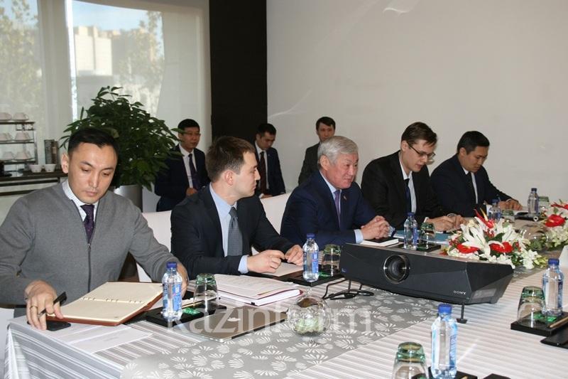 Бердібек Сапарбаев қытайлық компанияларды келісімшарт міндеттерін орындауға шақырды