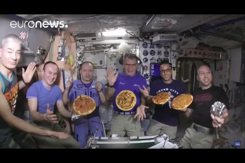 Ғарышкерлер ғарышта тұңғыш рет пицца пісірді
