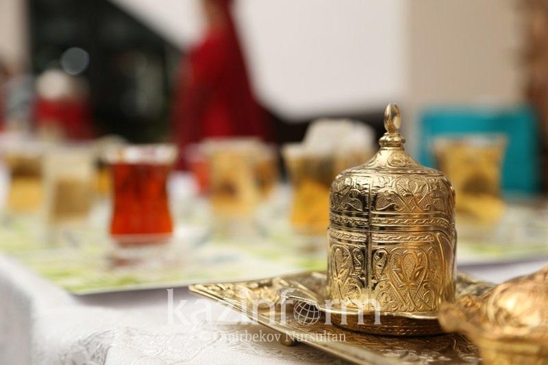 Фестиваль турецкого чая проходит в Астане