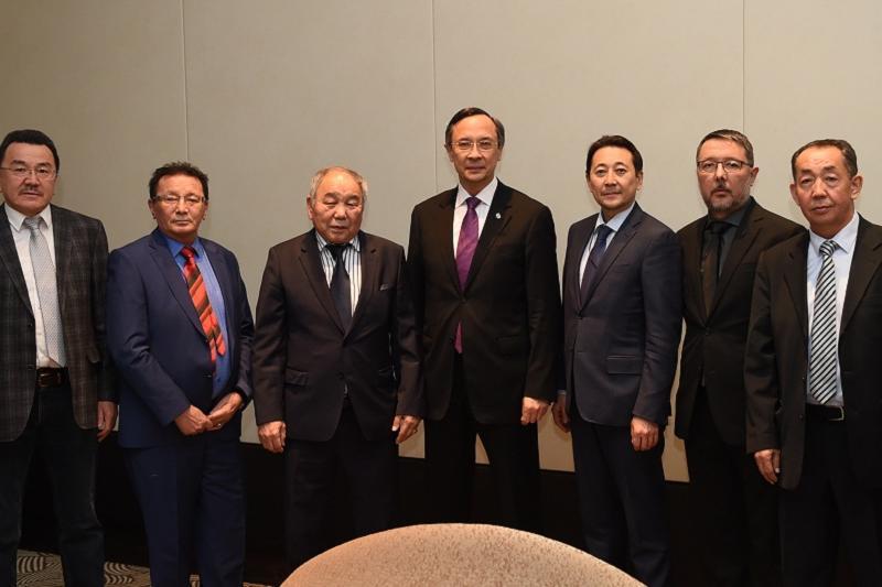 Кайрат Абдрахманов завершил визит в Вену встречей с казахской диаспорой