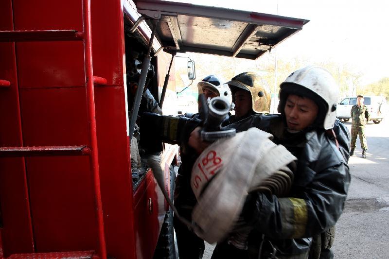 Алматыда жол полициясының ғимараты өртенді
