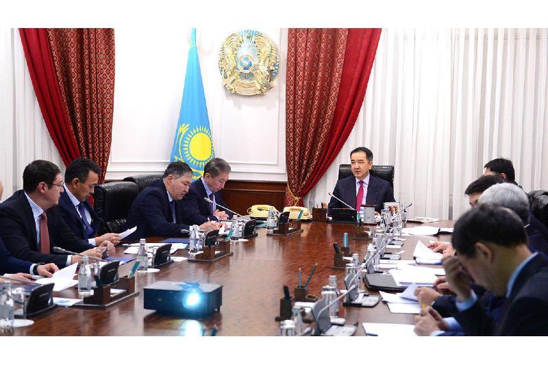 萨金塔耶夫主持会议讨论世博会新技术落实问题