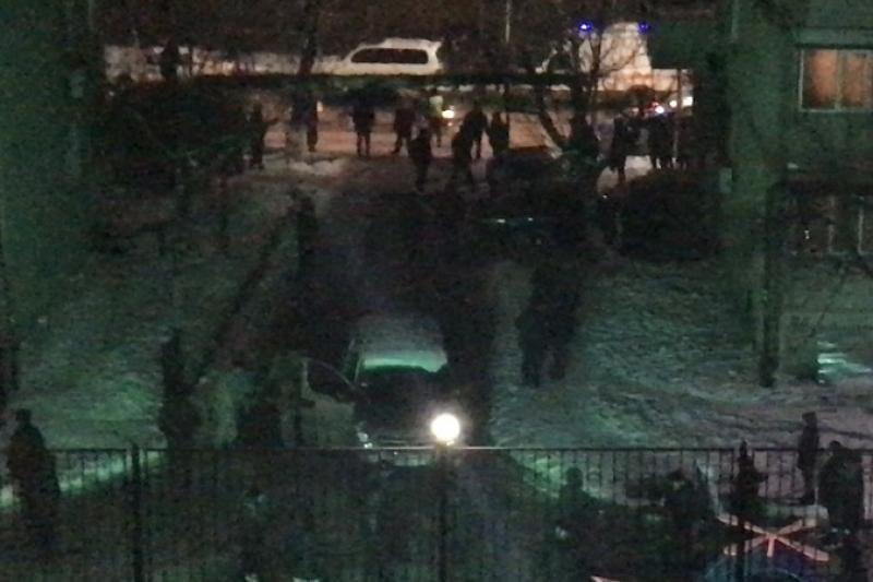 Двор одного из микрорайонов Шымкента оцепили из-за подозрительной сумки