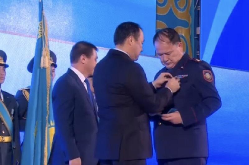 Аким Шымкента вручил награды «За особый вклад в развитие города»